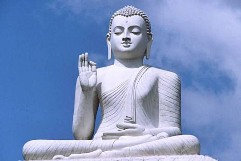 Il cammino dei buddisti: alla ricerca del vuoto che diventa senso